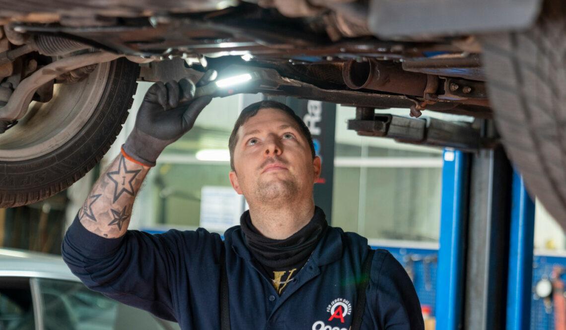 Ausbildung zu Karosserie- und Fahrzeugbaumechaniker